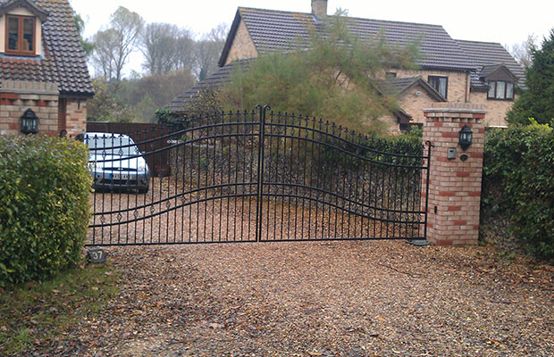 Automatic Gate Installation in Suffolk, Essex, Cambridge