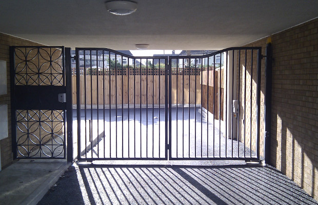 Automated gate Installers, Suffolk, Essex, Cambridge